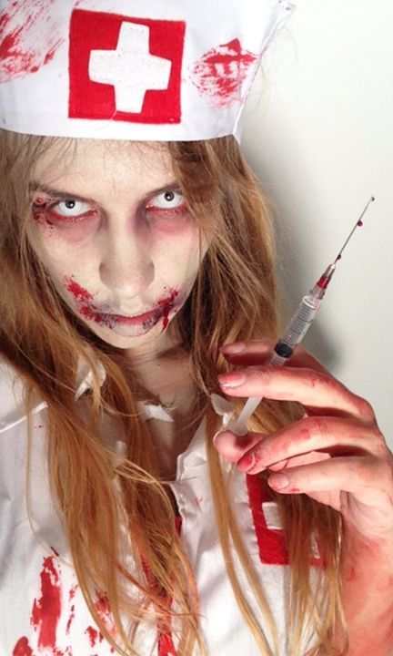Maquillage halloween infirmiere zombie goshowmeenergy for Olaf decoration exterieure
