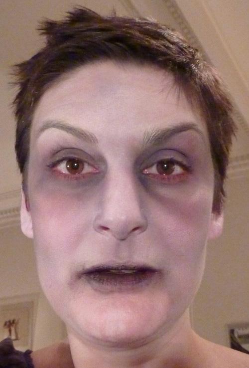 maquillage zombie facile sans latex. Black Bedroom Furniture Sets. Home Design Ideas
