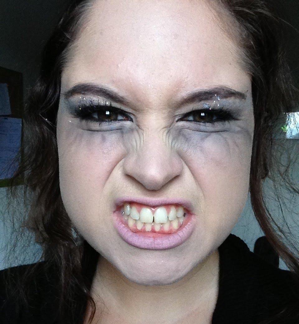 maquillage vampire yeux